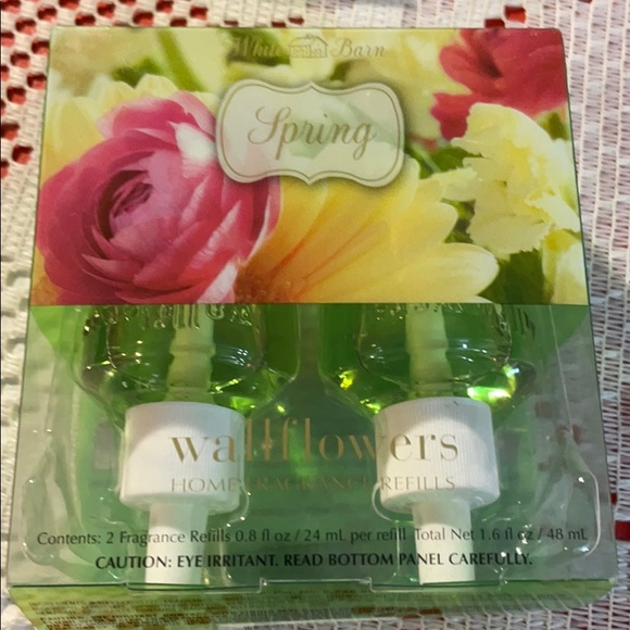 Bath and Body Works Wallflowers Spring 2 Pack